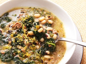 20140109-sausage-kale-and-black-eyed-pea-soup-3-thumb-518xauto-376546